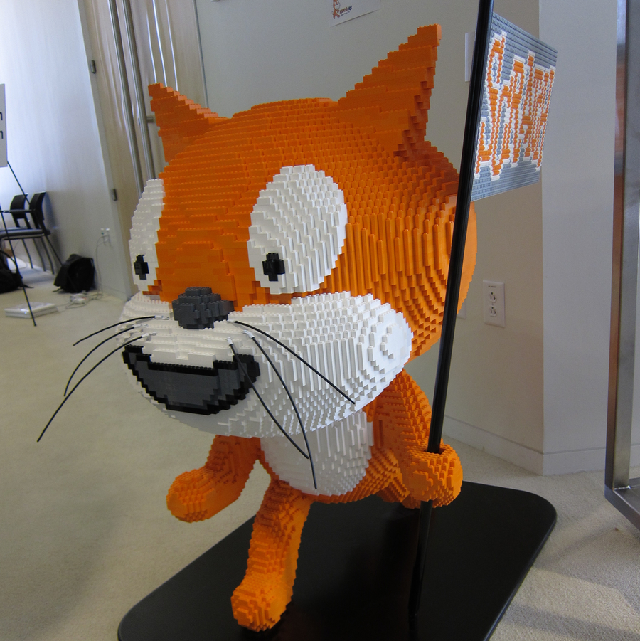 lego_scratch_cat